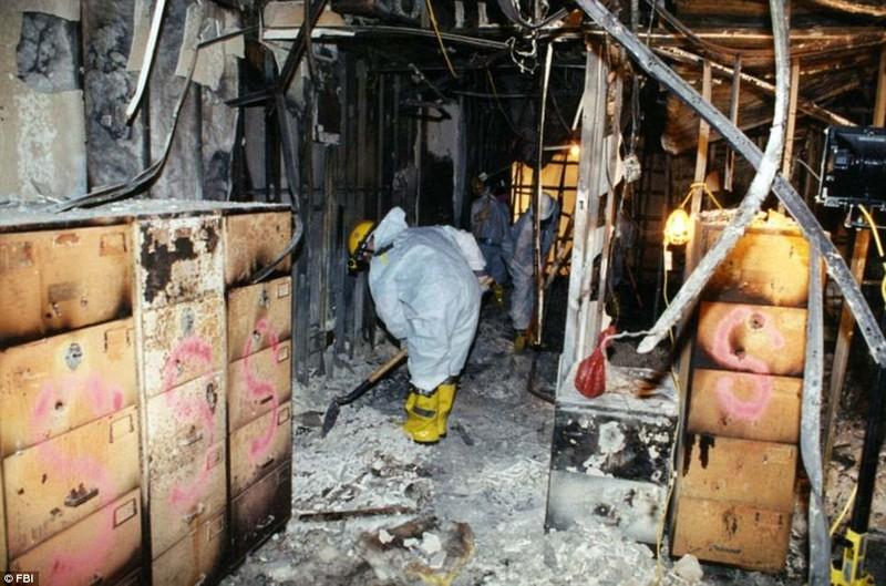 Ảnh Lầu Năm Góc tan hoang sau vụ khủng bố 11-9 - ảnh 9