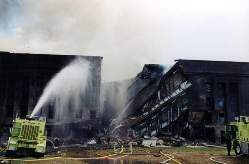 Ảnh Lầu Năm Góc tan hoang sau vụ khủng bố 11-9 - ảnh 2