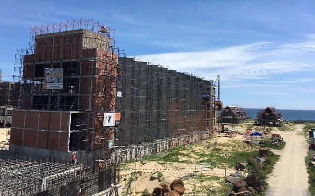 Du lịch bùng nổ, dự án khách sạn tràn ngập ven biển Đà Nẵng - ảnh 1