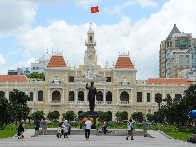 Đập bỏ trung tâm thương mại lâu đời nhất Việt Nam - ảnh 11