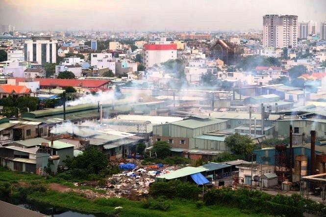 Xử lý cơ sở sản xuất ô nhiễm nhưng không chịu di dời - ảnh 1