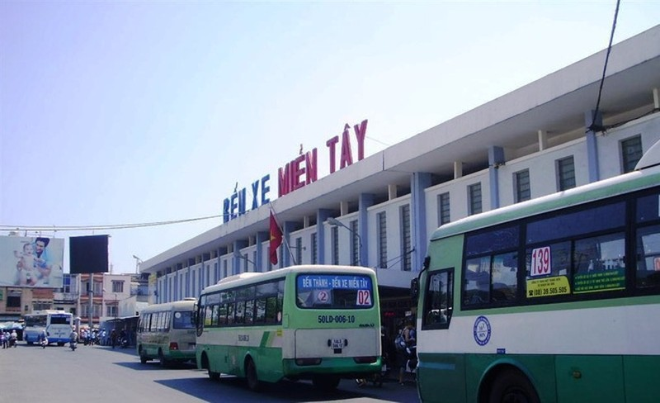Di dời bến xe miền Tây về Phú Mỹ Hưng - ảnh 1
