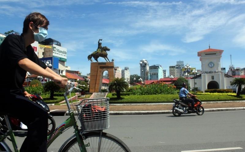TP.HCM phá dỡ vòng xoay Quách Thị Trang - ảnh 1