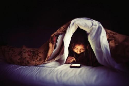 Treo gương đối diện với giường ngủ, lỗi nhỏ nhưng tác hại lớn - ảnh 1