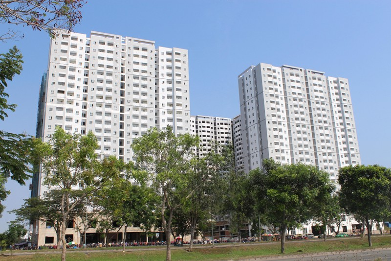Giá đất đô thị cao, khó làm nhà ở giá thấp - ảnh 1
