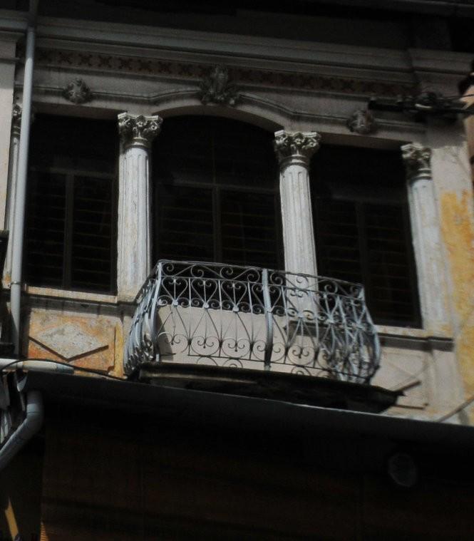Bí ẩn biệt thự Sài Gòn: Ngôi nhà luôn khóa cổng - ảnh 2