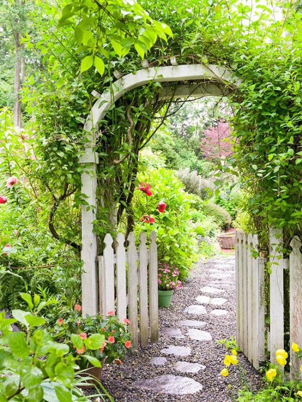 Lối vào nhà vườn thơ mộng với cổng hoa - ảnh 2