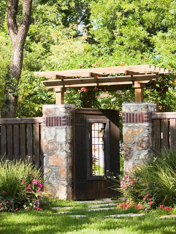 Lối vào nhà vườn thơ mộng với cổng hoa - ảnh 3