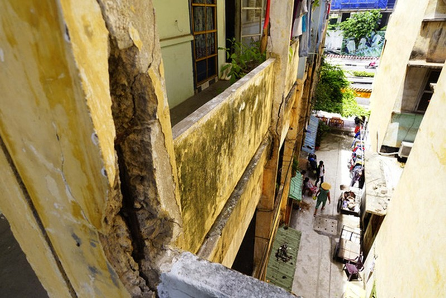 TPHCM: Cận cảnh thót tim ở chung cư Vĩnh Hội - ảnh 11