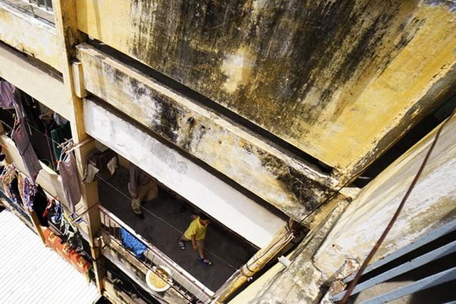 TPHCM: Cận cảnh thót tim ở chung cư Vĩnh Hội - ảnh 17