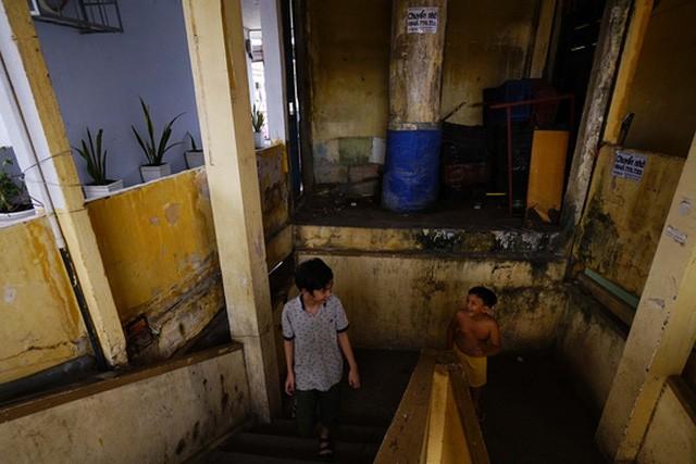 TPHCM: Cận cảnh thót tim ở chung cư Vĩnh Hội - ảnh 5