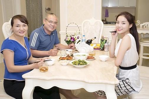 """Ngắm """"nhà siêu sang"""" của các hoa hậu Việt - ảnh 3"""