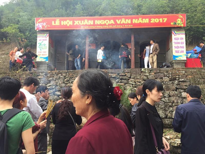 Khai mạc hội xuân Ngọa Vân trên đỉnh núi Bảo Đài - ảnh 2