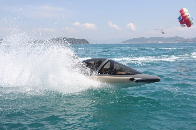 'Cưỡi' cá mập, cá heo tuyệt đẹp trên biển Nha Trang     - ảnh 8