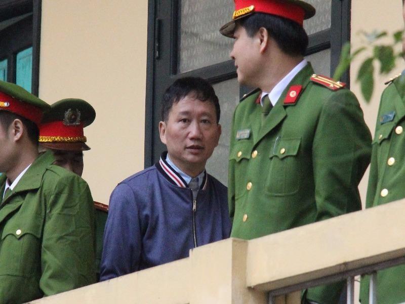 Trịnh Xuân Thanh khóc, xin lỗi ông Đinh La Thăng  - ảnh 1