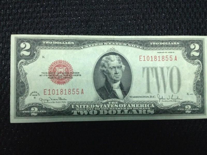 Vì sao thường lì xì tờ 2 USD trong dịp Tết