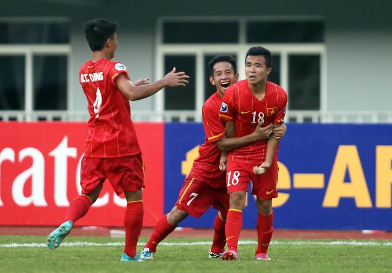 Hoàng Thanh Tùng lập siêu phẩm cho U-22 Việt Nam - ảnh 2