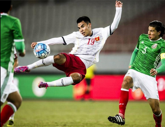 U-22 Việt Nam ngã ngựa trước U-22 Uzbekistan  - ảnh 1