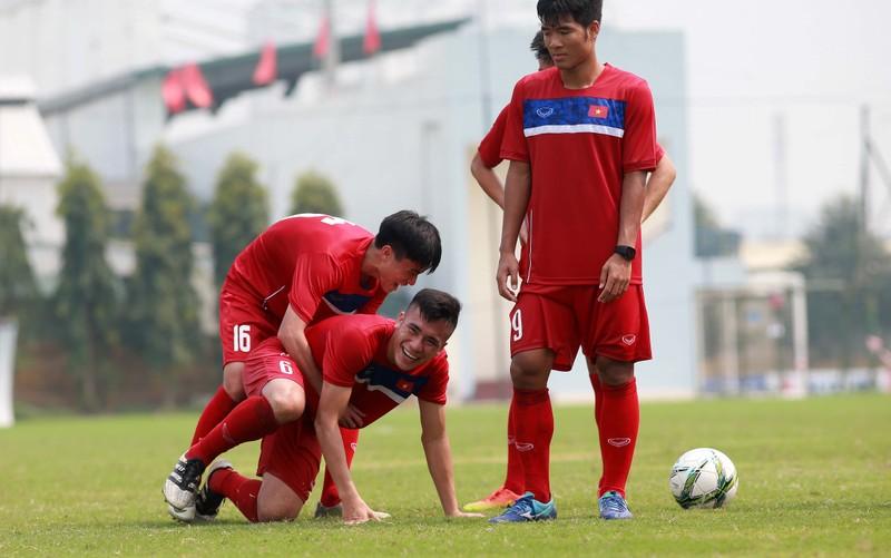 U-20 Việt Nam thua nhẹ U-23 Borussia Moenchengladbach - ảnh 1