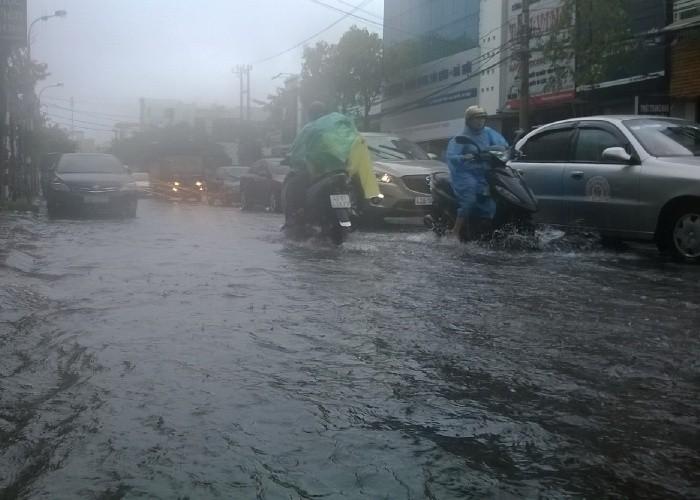 Chiều nay, bão số 3 áp sát ven bờ Đà Nẵng - Quảng Ngãi  - ảnh 2