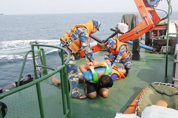 Diễn tập chống cướp biển có vũ khí gay cấn như phim hành động - ảnh 5