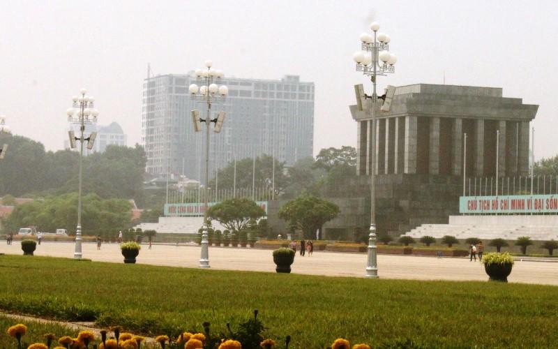 Thanh tra Chính phủ yêu cầu Hà Nội 'cắt ngọn' nhà 8B Lê Trực - ảnh 1