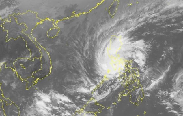 Siêu bão Melor giật cấp 17 tiến thẳng vào biển Đông - ảnh 1