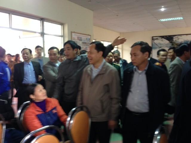 Sầm Sơn: Bí thư Tỉnh ủy đối thoại với ngư dân, an ninh siết chặt - ảnh 4