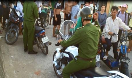 Sẽ xử lý nghiêm 2 cảnh sát xịt hơi cay vào người vi phạm giao thông - ảnh 1
