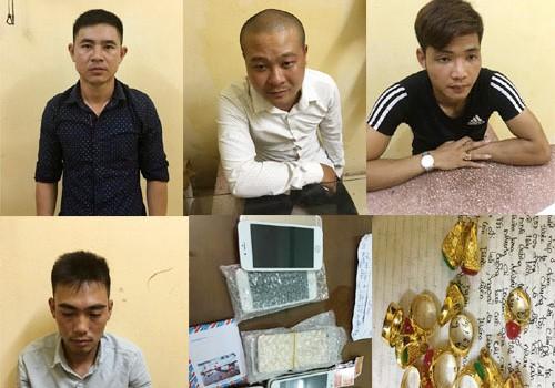 Bắt nhóm chuyên lừa đảo bằng vàng giả, iPhone nhái - ảnh 1