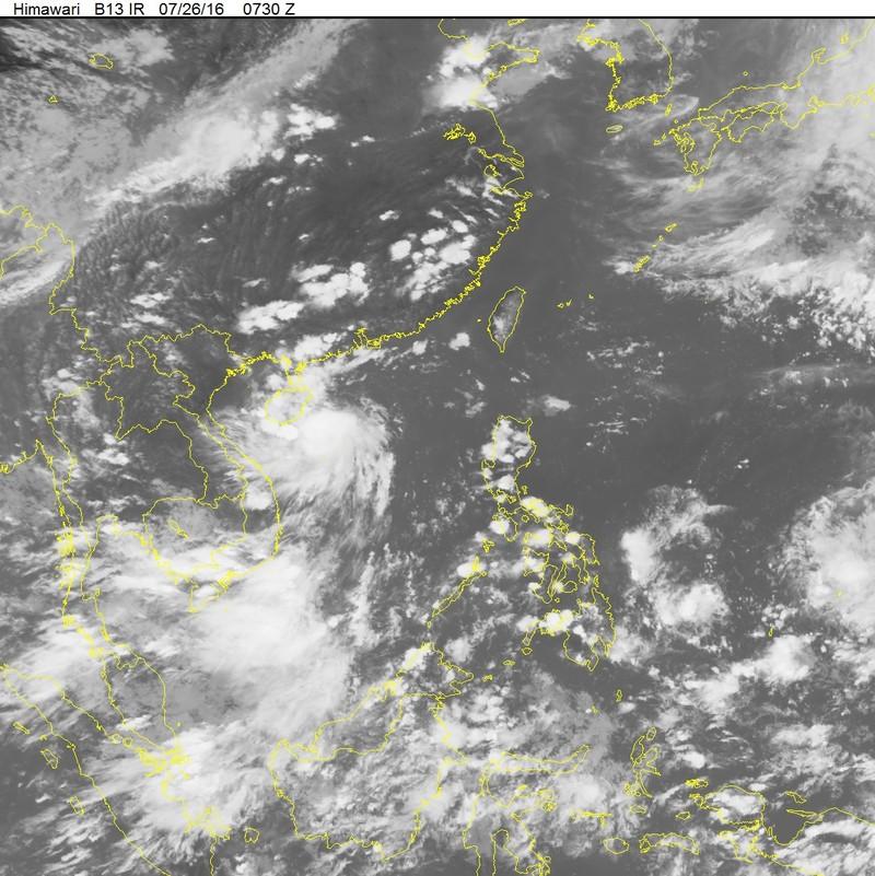 Trong 12 giờ tới, áp thấp nhiệt đới di chuyển theo hướng Tây Tây Bắc, mỗi giờ đi được 15-20km. Ảnh: NCHMF