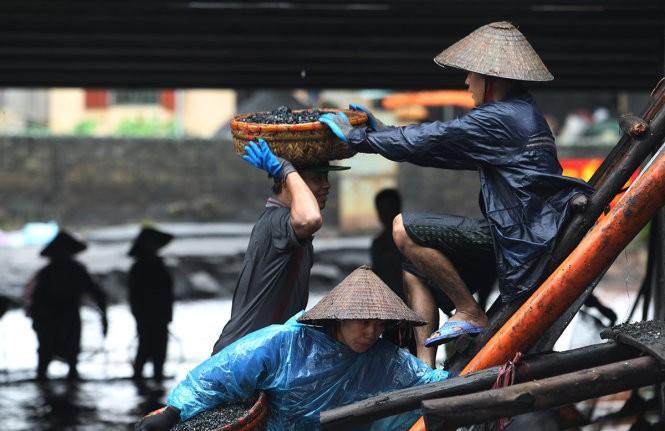 Chậm tham gia EITI: Việt Nam được gì và mất gì - ảnh 1