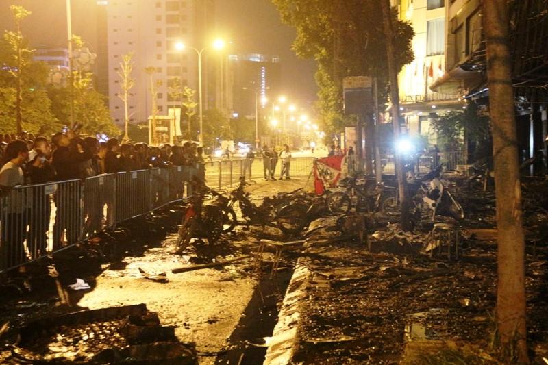 Hoang tàn sau vụ cháy kinh hoàng quán karaoke ở Hà Nội - ảnh 4