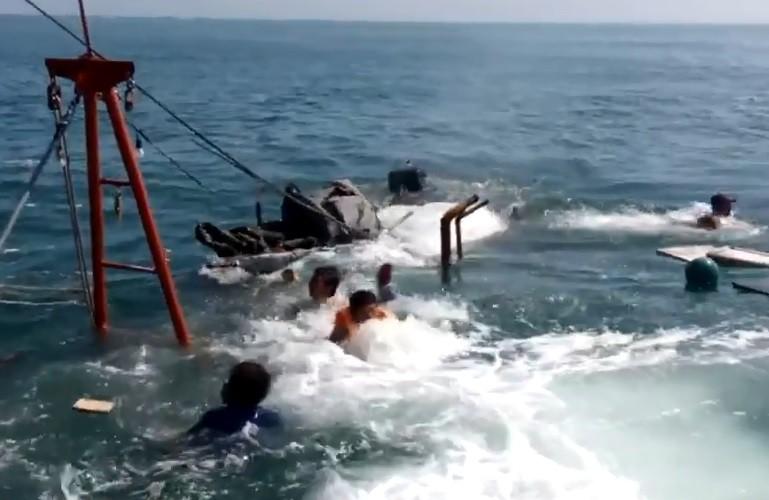 Trục vớt tàu ngư dân bị đâm chìm để điều tra  - ảnh 2