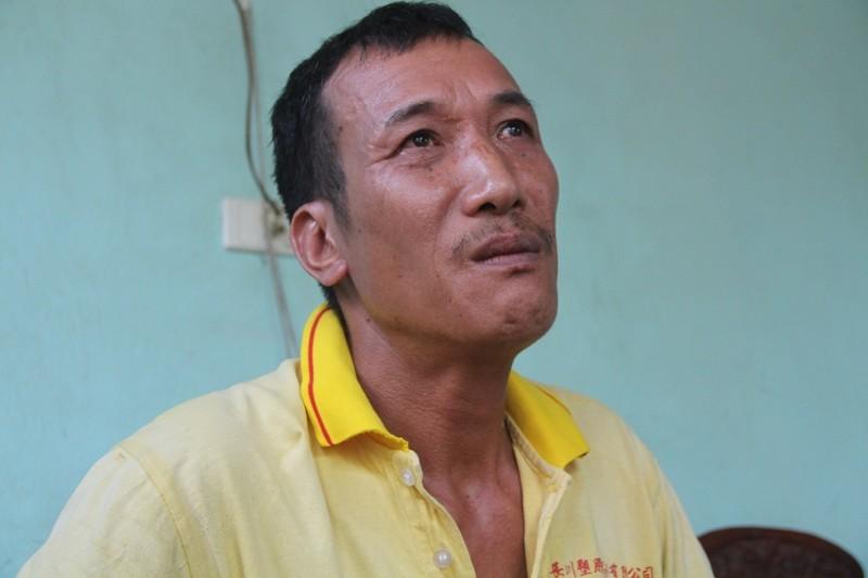Người cha mang 'án tử' nuôi con bại liệt - ảnh 1