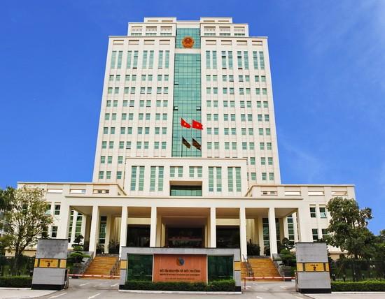 Bộ trưởng Trần Hồng Hà yêu cầu không tặng quà cấp trên  - ảnh 1