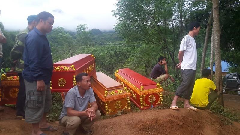 Hòa Bình: Đã thấy 8 thi thể bị vùi do sạt lở đất - ảnh 1