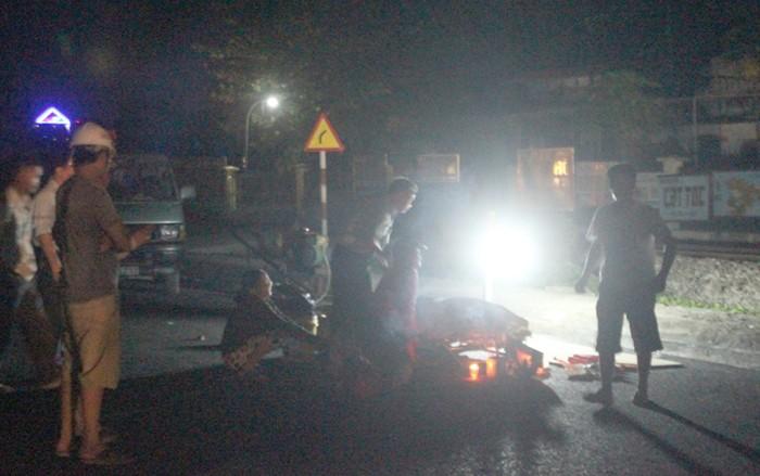 Đi vệ sinh, một công nhân bị tàu hỏa tông tử vong - ảnh 1