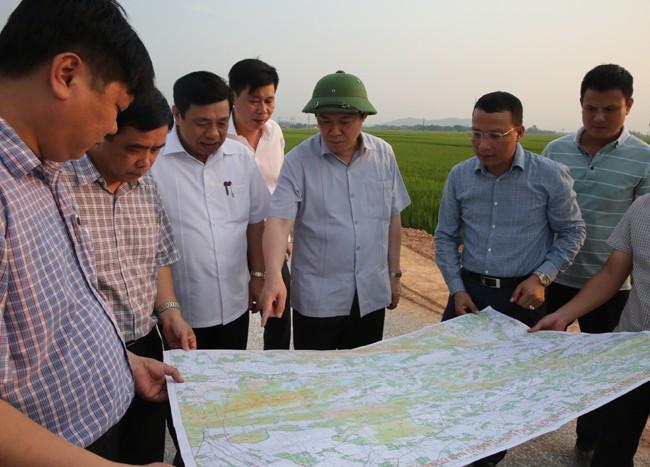 Phó Thủ tướng Vương Đình Huệ khảo sát dự án cảng biển ở Nghệ An - ảnh 3