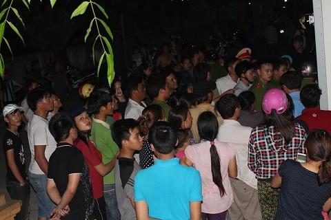 Hàng trăm người vây xe cá vì nghi 'mua cá giá cao để đổ xuống biển' - ảnh 2