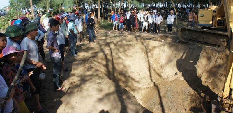 Cả làng mang khăn tang trong lễ an táng cá voi - ảnh 4
