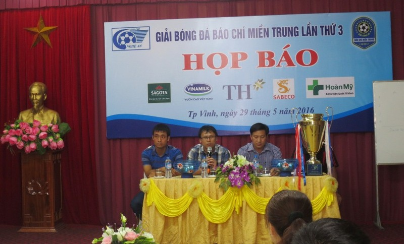8 đội dự giải bóng đá báo chí miền Trung lần thứ 3 - ảnh 1
