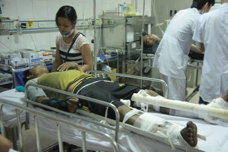 Chùm ảnh: Kinh hoàng vụ nổ xe khách ở Lào, 8 người Việt tử vong - ảnh 12