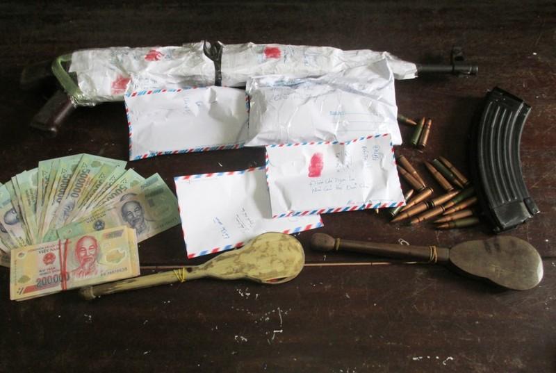 Đôi nam, nữ mang súng AK lên núi lập lán bán heroin - ảnh 2