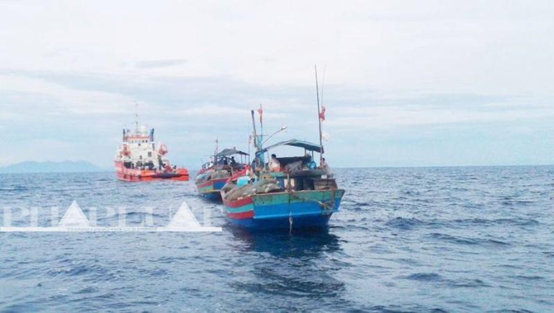 Hơn 1.000 ngư dân trên 135 tàu đánh cá ra khơi tìm kiếm Thượng tá Khải - ảnh 1