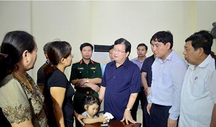 Phó Thủ tướng Trịnh Đình Dũng gặp động viên gia đình Đại tá Trần Quang Khải - ảnh 1
