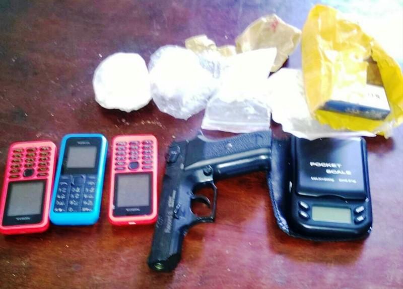 Bắt một giám đốc mang súng đi bán ma túy - ảnh 2