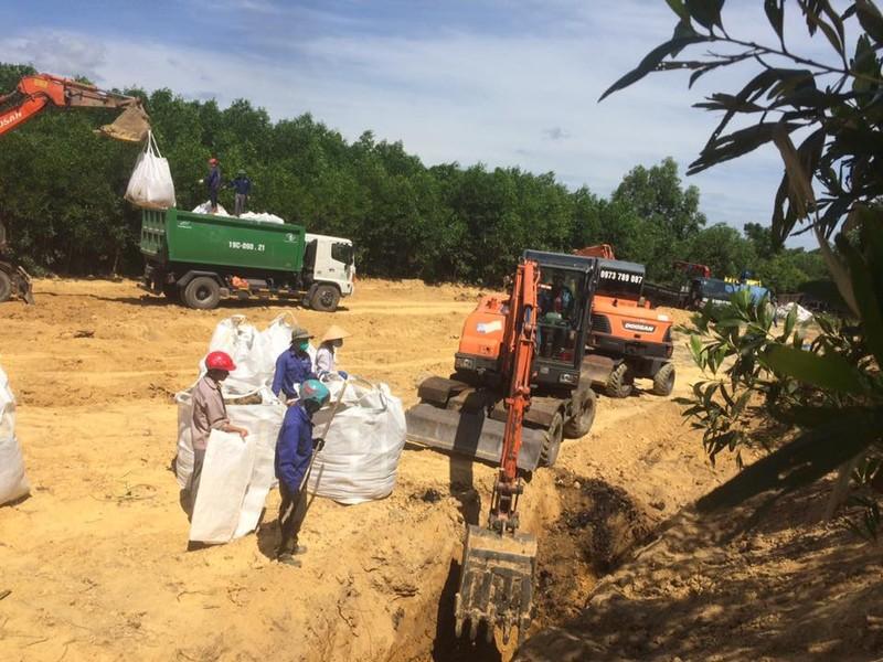 Toàn bộ rác thải Formosa đã được cất bốc khỏi trang trại - ảnh 1
