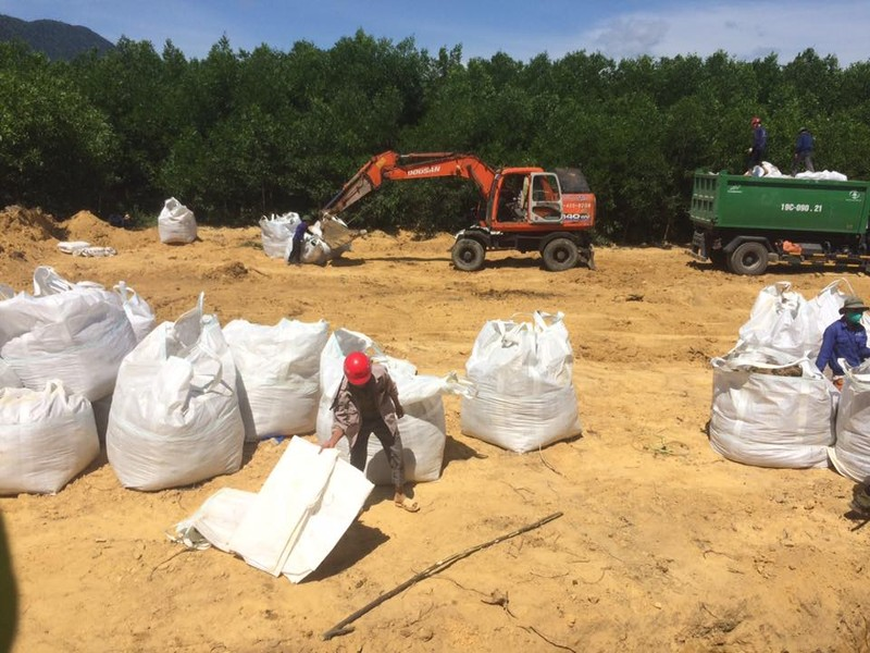 Toàn bộ rác thải Formosa đã được cất bốc khỏi trang trại - ảnh 2