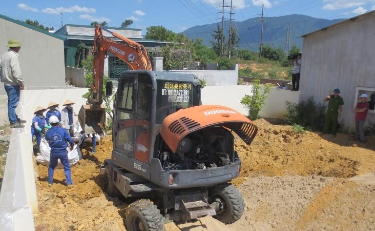 Cất bốc chất thải  từ Dự án Formosa Hà Tĩnh